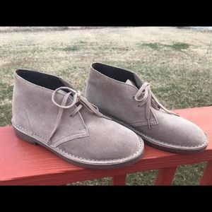 Clarks size 9 ankle boots